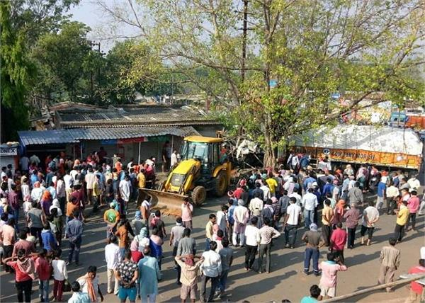 jharkhand road accident 4 killed 3 injured