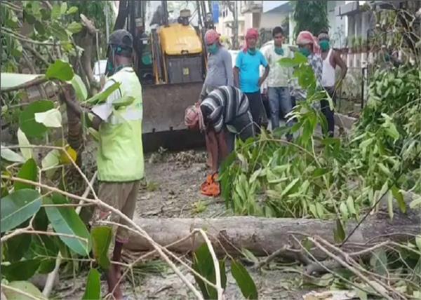 cyclone water  power supply restored in kolkata