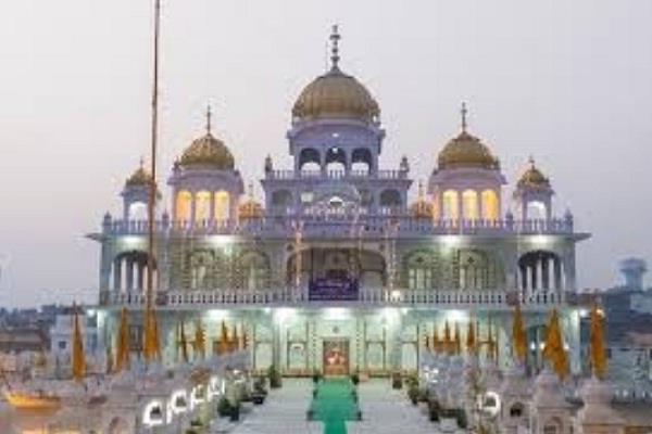 guru arjan dev ji on the day of martyrdom