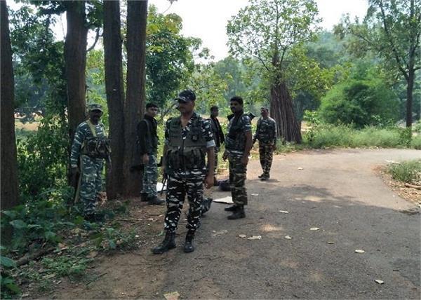 jharkhand security forces encounter three naxalites death
