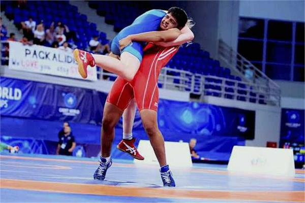 simran wrestler wins online wrestling