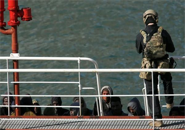 security forces rescue 75 migrants in malta
