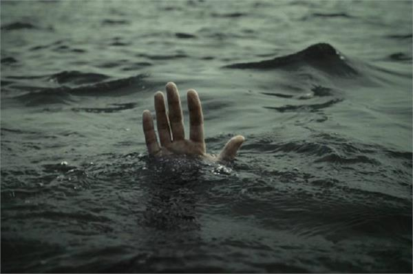 dead body of young man was found floating in pond