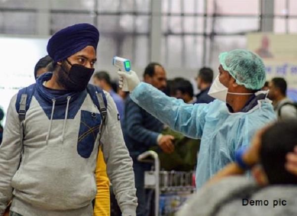 there are 11 000 punjabis wanting to return to punjab