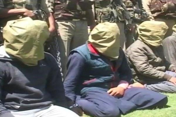four lashkar e toiba militants arrested large quantity of weapons recovered