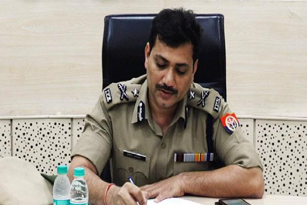 up  ig kanpur without invoking mask  challan was cut