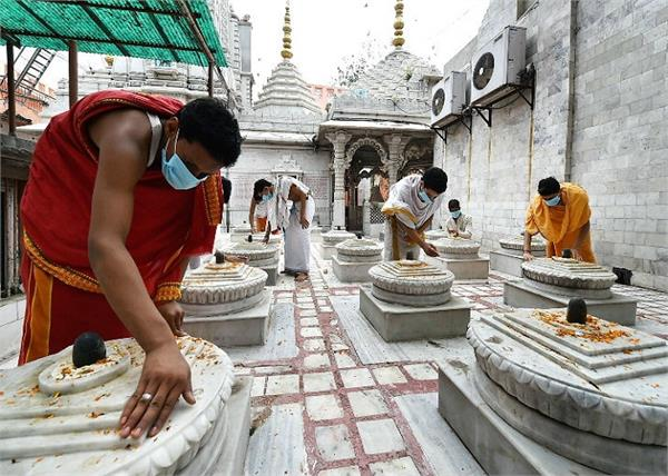 temples  restaurants will open in lucknow from tomorrow