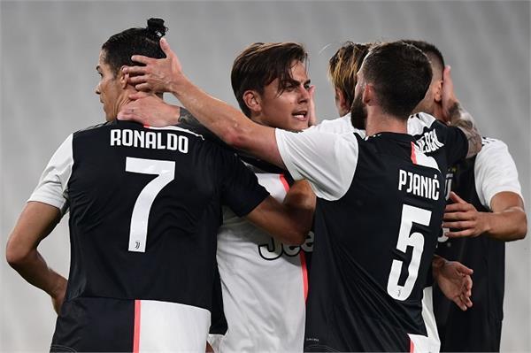 ronaldo returns to form  juventus wins 4 0