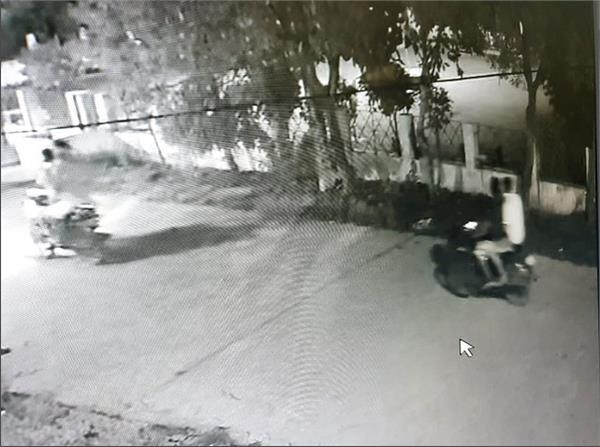 diamond and gold jewelery stolen from advocate  s house