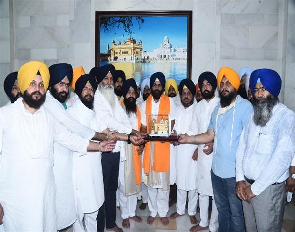 amritsar  shiromani akali dal youth wing  president bunty romana  golden temple