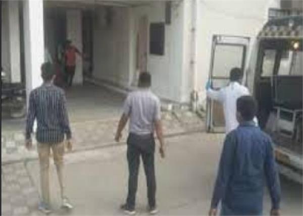gujarat family 6 members hanged corpses