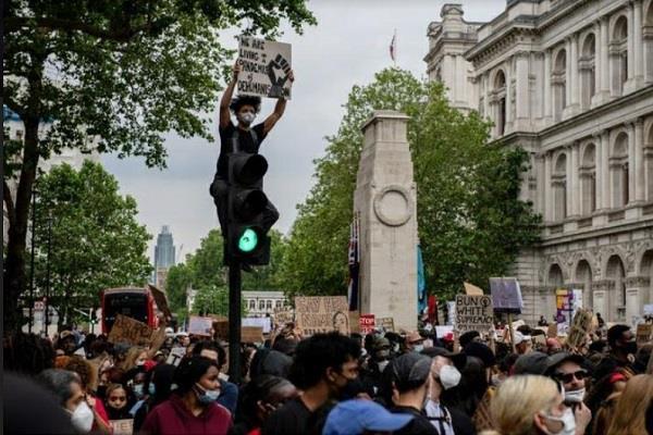 rumors of demolition war memorial in london