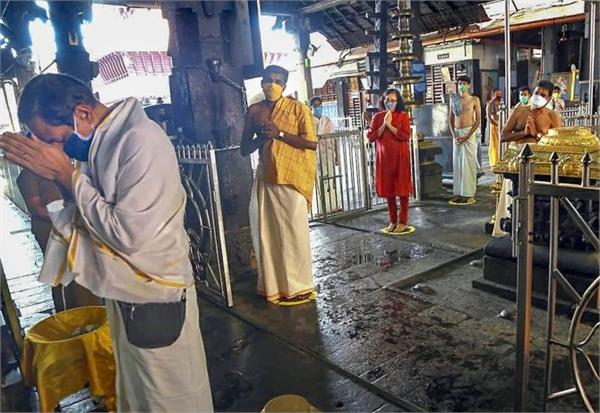 central  state ministers spar over reopening of temples in kerala