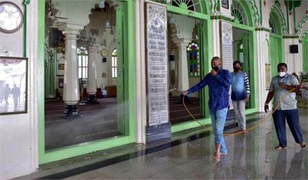 dargah in bareilly opposes alcohol based sanitizer