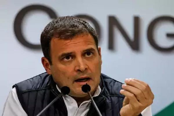 govt  is destroying economy by not giveing cash support to people   rahul
