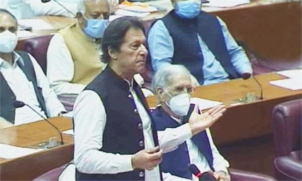 india is behind karachi attack  imran khan