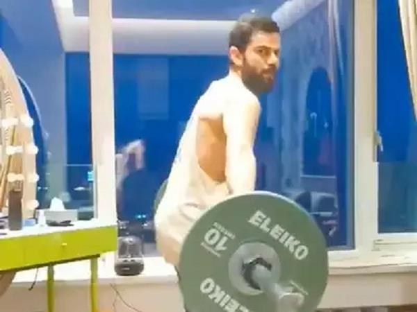 virat then showed up in the gym