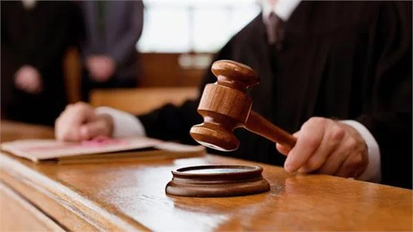 advocates can file cases in courts