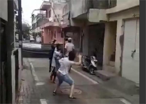 corona virus family street big sister dance video viral