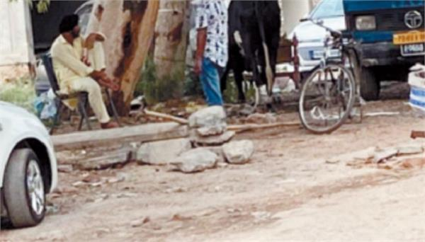 puda  s connaught place scheme seized by parking mafia