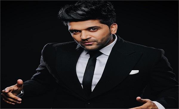 guru randhawa performed stage show in delhi after lockdown