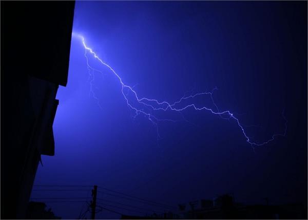 uttar pradesh lightning 5 people death
