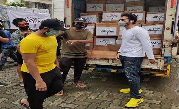 jackky bhagnani helps to the families of the 600 dancers of