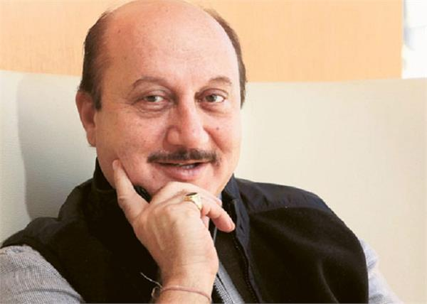 actor anupam kher notice issued tweet
