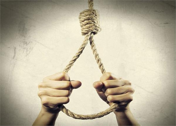 man commits suicide by hanging from tree