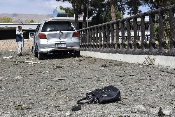 kabul bomb blast kills 4 civilians