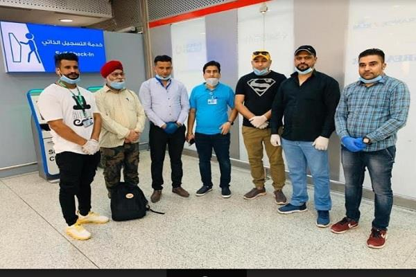 punjabis kuwait return home surjit chandpuri