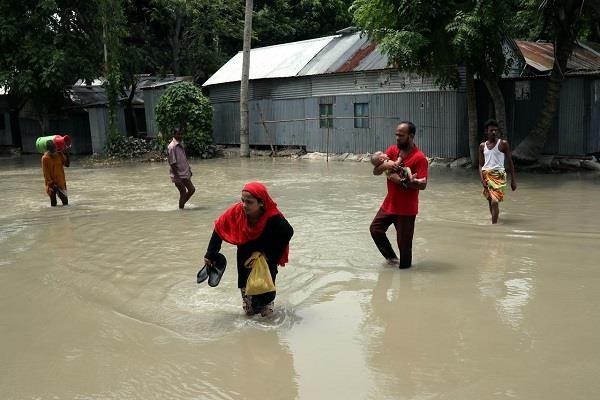people displaced floods in bangladesh