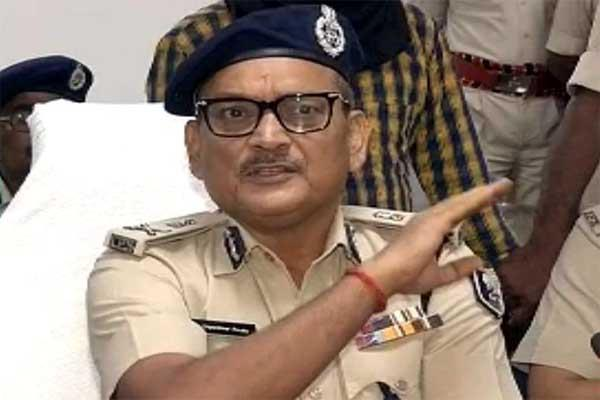bihar dgp said non bailable warrant will be issued against riya