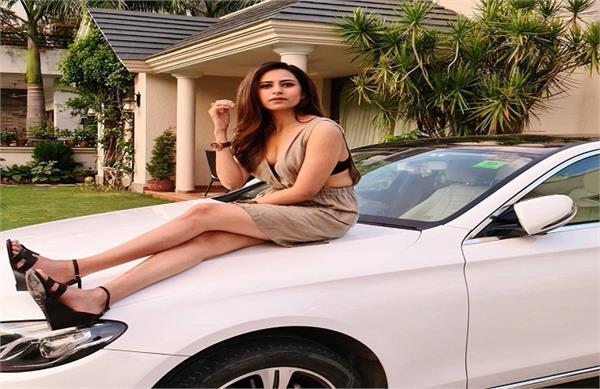 sargun mehta neeru bajwa instagram post viral punjabi celebrity