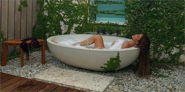 kylie jenner bold photoshoot viral on internet