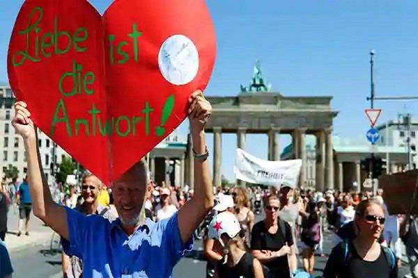 germany  17 000 people  rally