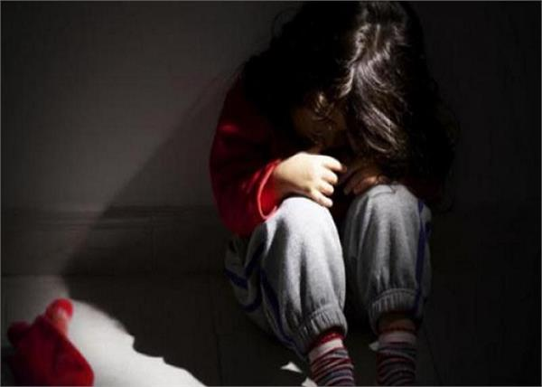 himachal pradesh daughter rape father arrested