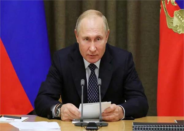 russia president vladimir putin announcement corona vaccine develop