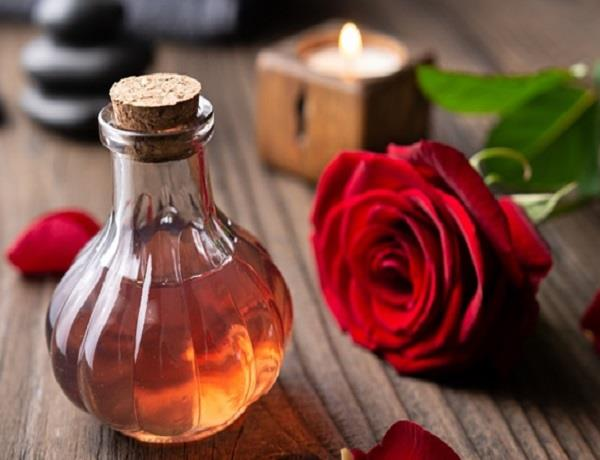 rose water face benefits