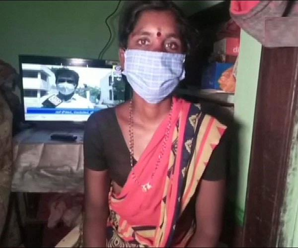 woman mortgages her mangalsutra buy tv her children