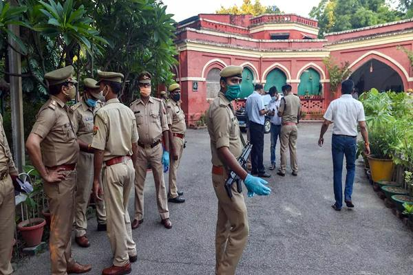 lucknow double murder case  daughter kills mother  brother