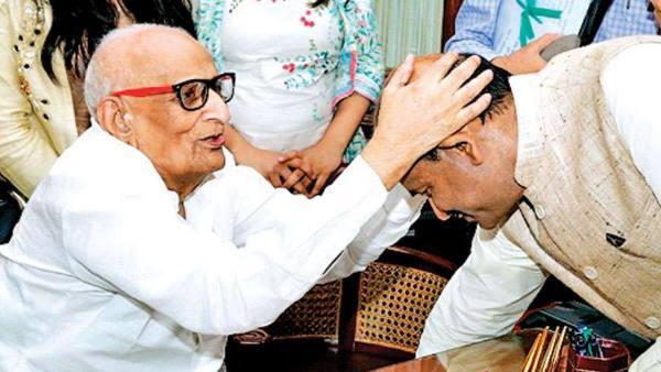 lok sabha speaker om birla  s father shri krishna birla passes away