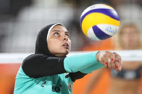 controversy erupts over muslim girl  s hijab in us