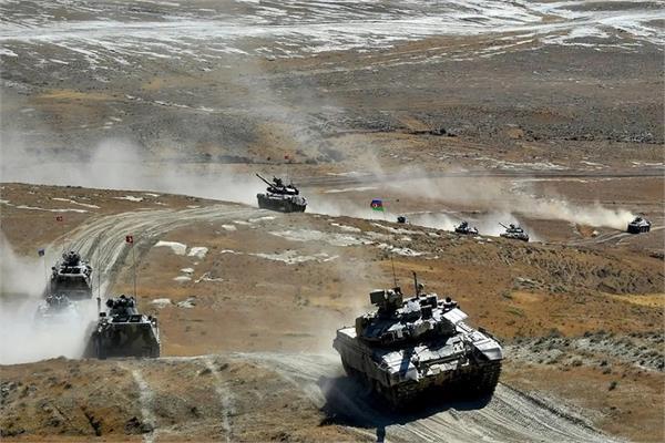 terrible war break out in armenia and azerbaijan  tank gun attacks both sides