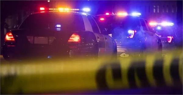 manhunt underway after veteran cleveland police officer shot and killed