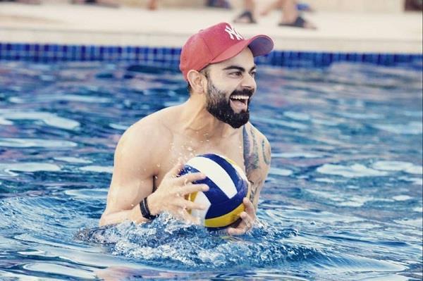 kohli had a lot of fun in the swimming pool