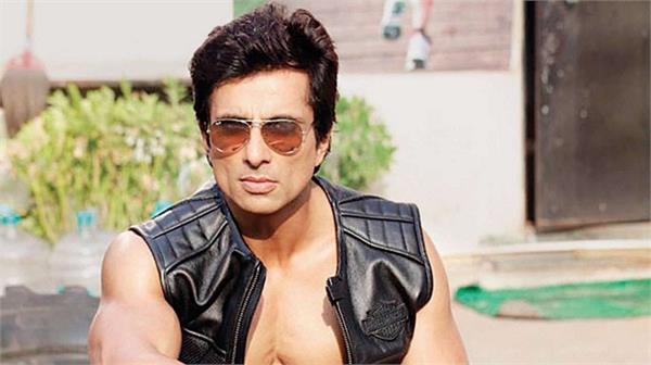 now the sonu sood has also come forward to help the players