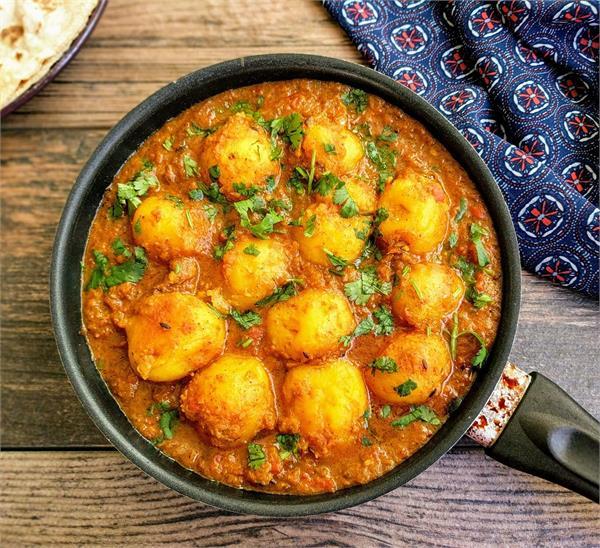 garlic onion kashmiri dum potato