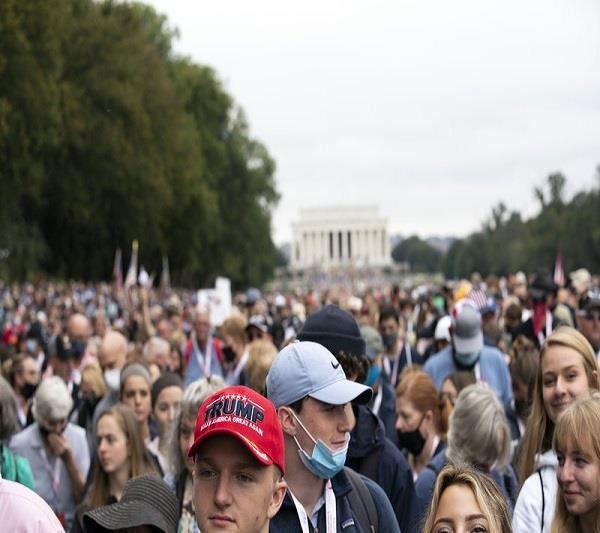 thousands march in washington to pray and show trump support