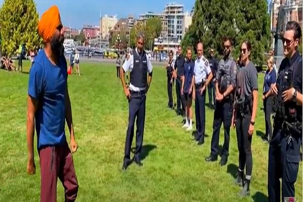 bhangra video gurdeep pandher canada rcmp bc police